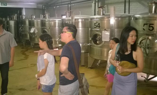 Impromptu cellar tour in  Môrenson